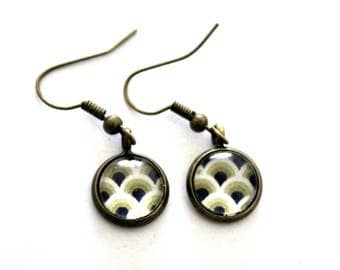 """Earrings cabochon """"beige Japanese waves"""" - retro bronze brass"""