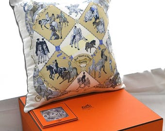 Vintage Hermes Custom Scarf Pillow Musee Vivant du Cheval Chantilly iwj4449-1