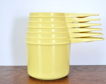 Vintage Yellow Tupperware Measuring Cup Set, Complete Set of Six
