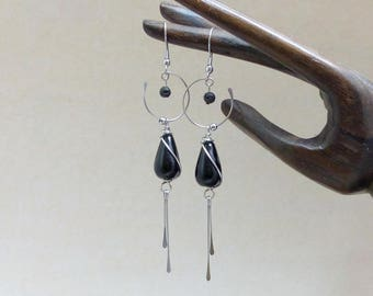 Black long earrings, glass beads and stainless steel (BO25)