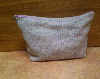 Toiletry bag in pastel wool blend