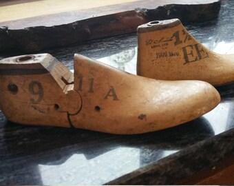 Vintage Antique Cobbler shoe mold / Rustic decor / solid wood