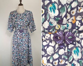 30% Off Summer Sale / Vintage Japanese Abstract Floral Dress with belt / Summer Dress / Day Dress / Made in Japan / Size Medium