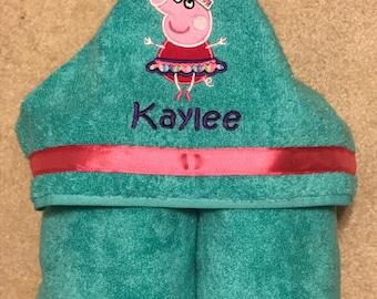 Peppa Pig Personalized Kids Hooded Towel