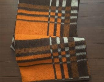 Sale of 25.00 for 19.75 euro.   Vintage 70s-80 acrylic blanket in typical brown and orange colors.