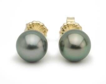 Green 9.8mm Tahitian pearl stud earrings