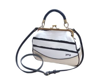 Black and white retro striped shoulder bag