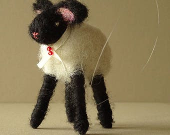 Tree Ornament, Sheep Ornament, Rustic Decoration, Christmas Ornament, Lamb, Farmhouse Decor, Holiday Decor, Fiber Art, Needle Felted Animal