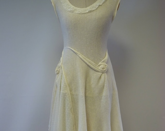 Romantic off-white linen dress with tulle, M size.