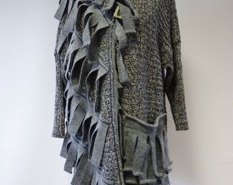 Avant garde grey knitted cardigan, XL size. Only one sample.