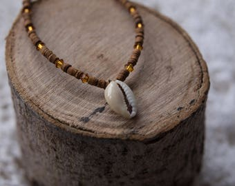 Cowrie Shell Beaded Bracelet Wooden
