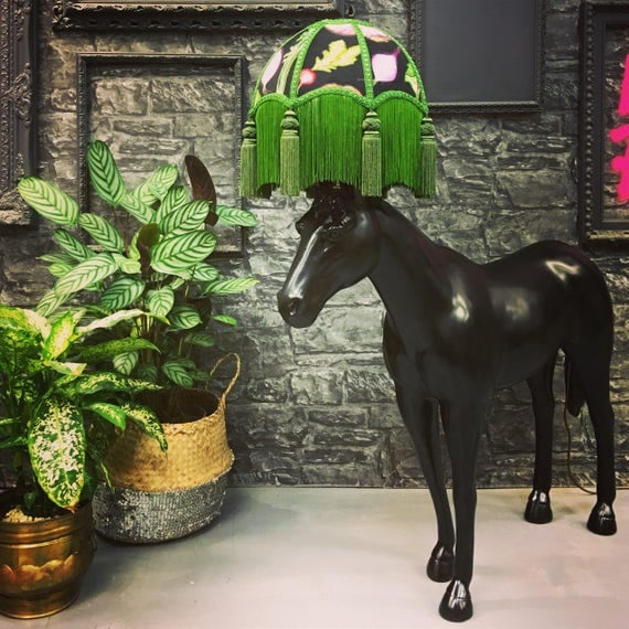 Foal lamp with shade