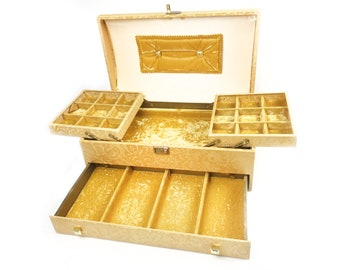 Large vintage mid century Mele & Co jewelry box / chest, made in America in the 1950s