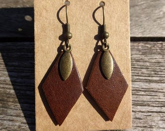Bronze brown leather and shuttles diamond earrings