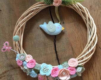 Beautiful Wreaths and Garlands decorated with delicate pieces of felt. Felt bird and flowers.
