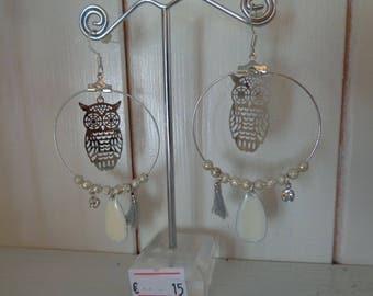 pair of earrings very lightweight owls