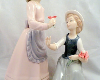 Lladro NAO Figurine, My Two Girls Picking Flowers, B-20, 1979