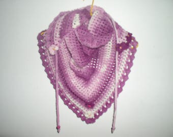 Kids scarf crocheted with flowers and beads