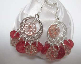 These earrings a little round button full of imagination