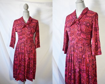Vintage 70s Pink Day Dress Everyday Summer Sundress Mid Length Polyester House Dress Long Sleeved Housewife Dress