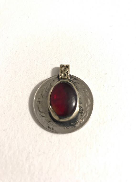 Kuchi coin red scarlet witch wanda maximoff red pendant te gusta este artculo aloadofball Gallery