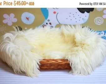 ON SALE Wicker Cat Dog bed , Cat Dog cave , pet bed , Cat Dog house ,pet furniture hand-felted with Genuine Real Sheepskin inside 20% SALE