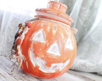 pumpkin decor, pumpkin fall decor, Halloween decor, chalk painted glassware, pumpkin jar, sweet olive couture, Halloween decorations
