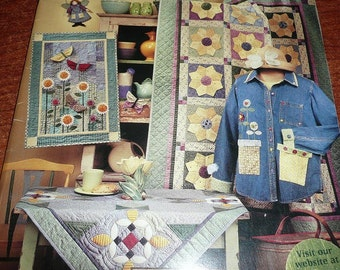 Cottage In Bloom Debbie Mumm Book