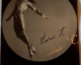 VINTAGE Cirque du Soleil autographed photo card of Vladimir - the Flying Man!