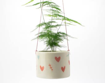 "Hanging pot ""love love love"""