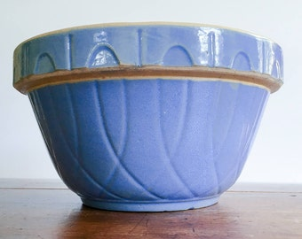 "Vintage Watt Pottery 9"" Blue Loops Yellowware Shoulder Mixing Bowl ""OVENWARE USA 9"""