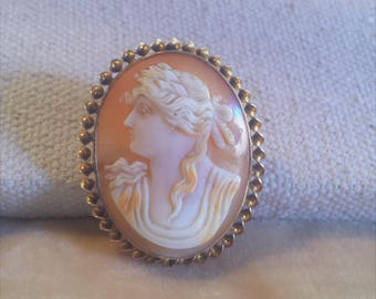 10K Gold Shell Cameo Pin/ Pendent