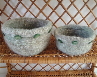 green felt bowls, mothers day gift, two wool knit bowls, small storage idea, button-trim bowls, hostess gift, trinket dishes, gift for mum