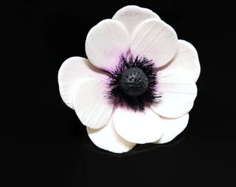 Purple and White Anemone Sugar Flowers for wedding cake toppers, gumpaste decorationss, DIY weddings, cake decor