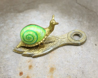Vintage Allied Brass Company Snail Mail Clip // Brass Snail // Green Snail // Home Decor // Wall Hanging