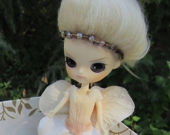 Bronze Ivory, A Petal Pixie Sister