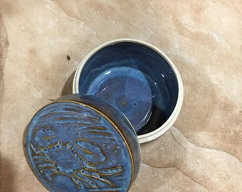 Chesapeake Blue Crab Lidded Container
