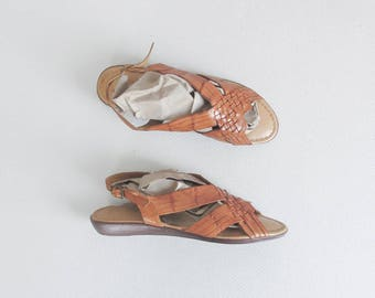 vintage leather huaraches / slingback huarache sandals / open toe low heel wedges / womens 9