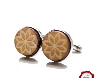 Wood cuff links / wooden cufflinks / engraved cuff links / flower pattern / gift for him