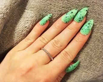 Speckle Green and Black False Nails, Hand painted Press on Nails, Set of 20 Fake Nails