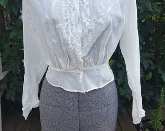 Late Edwardian White Cotton Blouse - Hand Embroidery