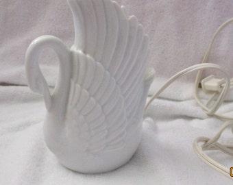 Vintage Knight LTD White Swan Nightlight