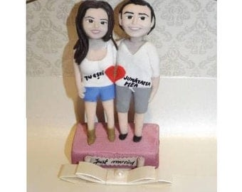 Couple figurines MiniMe for Anniversary of Birthday gift, custom figurines sculpted from Fimo, Cake toppers in miniature