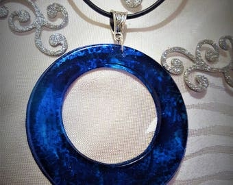 Necklace with resin