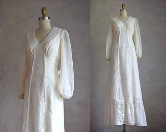 vintage 1970s cream maxi dress | bohemian cotton and lace dress | boho vintage wedding dress | 70s simple wedding or shower dress