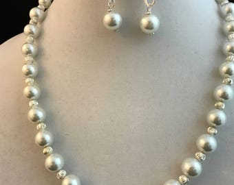 White & Silver Pearl Necklace Set