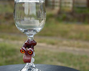 free your mind wineglass