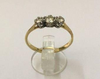18ct Gold & 1/4ct Diamond Ring - Hallmarked - Size 7 (UK N)