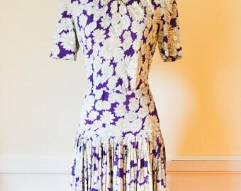 "Vintage 1940s Dress|1940s Floral Print Dress|Waist 28"""