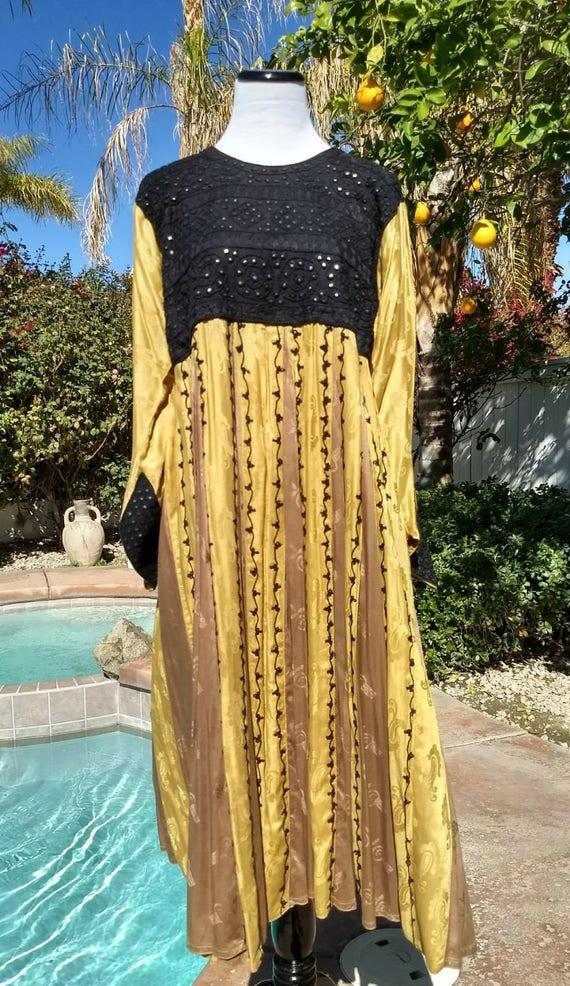 Black and Gold Bohemian/Ethnic Empire Waist Pleated Midi Dress